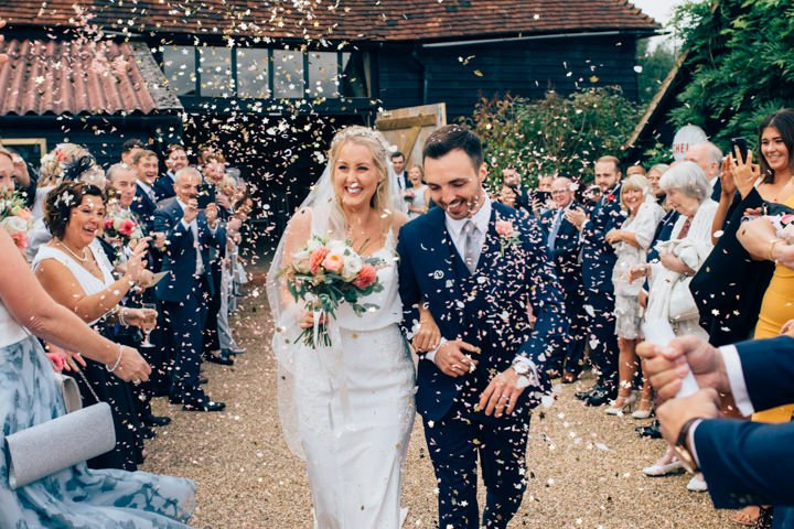 wedding bride and groom confetti